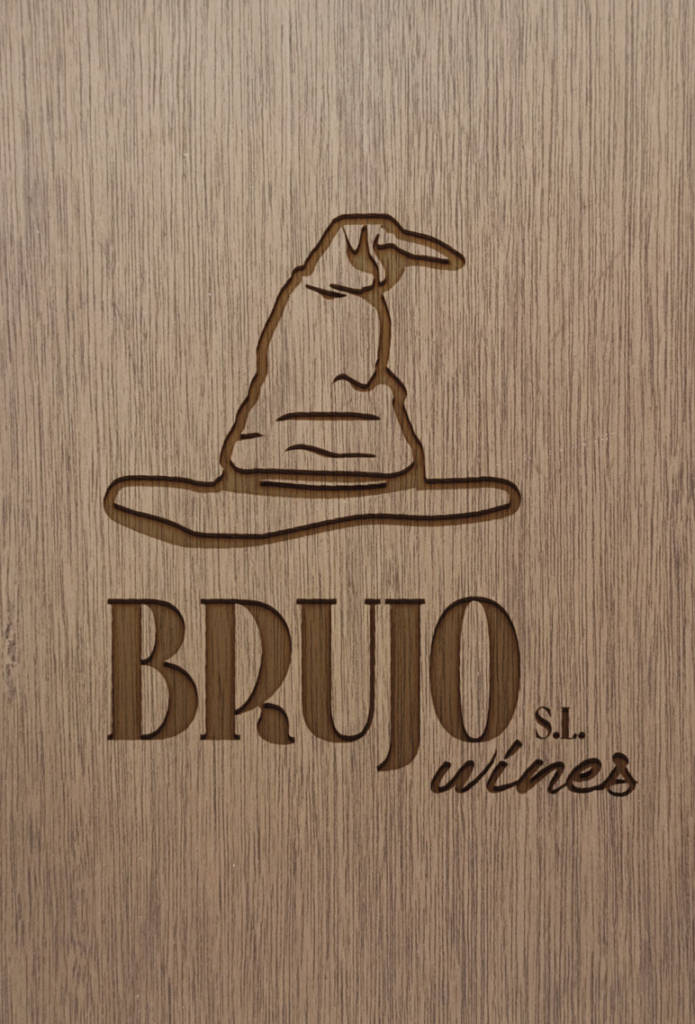 Brujo Wine Logo Madera